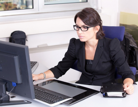Pracownik administracyjno-biurowy